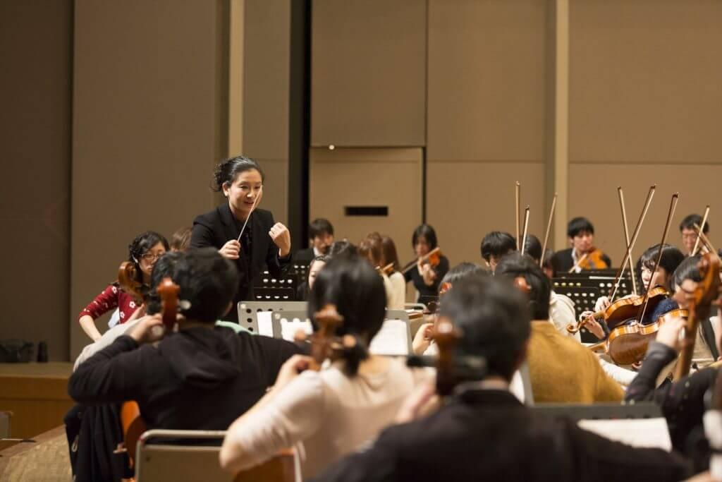 長谷川ゆき指揮 東洋大学管弦楽団